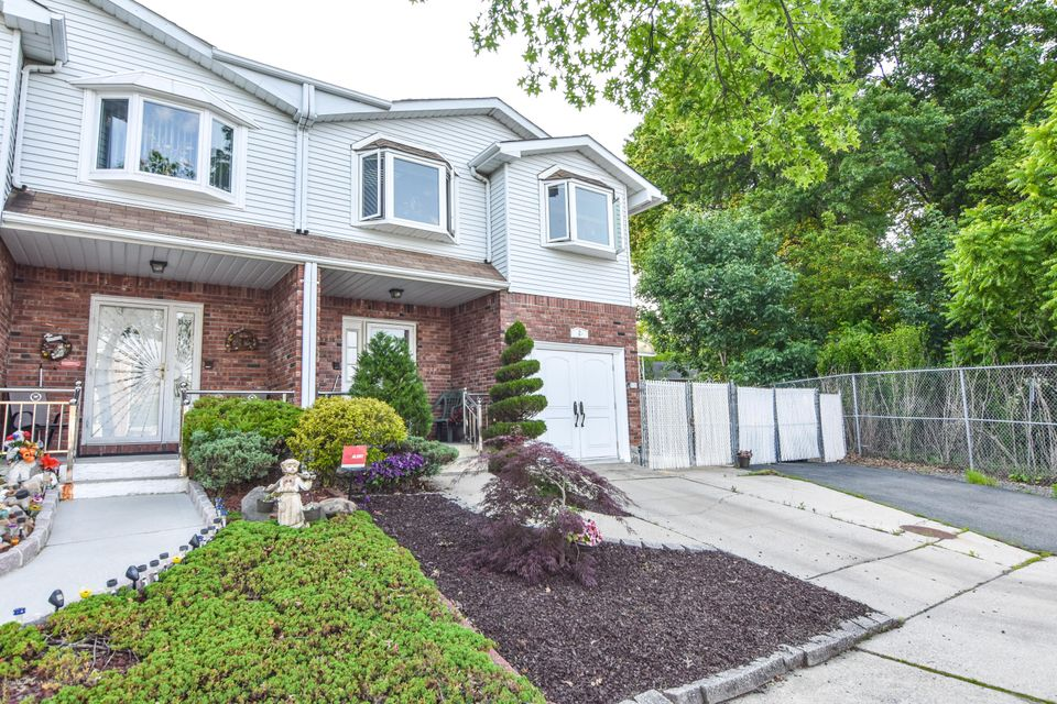 Two Family - Semi-Attached in Eltingville - 2 Mott Street  Staten Island, NY 10312