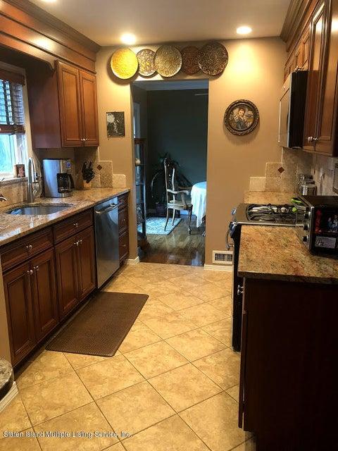 Single Family - Detached 128 Wolverine Street  Staten Island, NY 10306, MLS-1120145-8