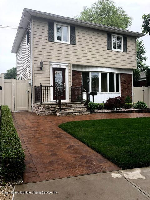 Single Family - Detached in Richmond Town - 128 Wolverine Street  Staten Island, NY 10306