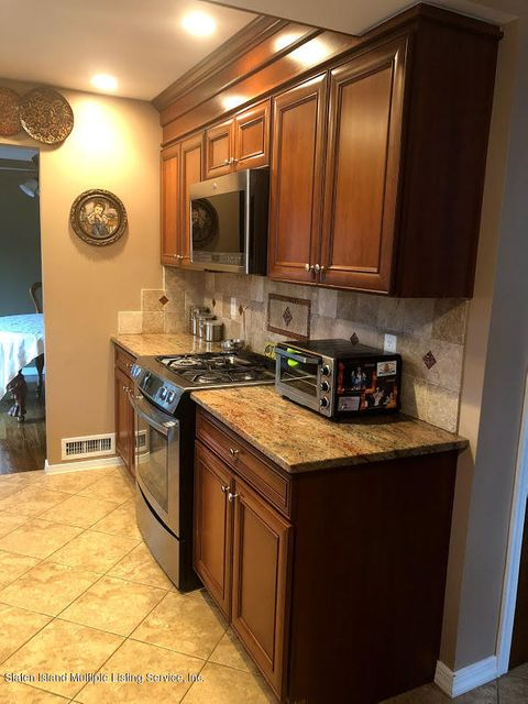Single Family - Detached 128 Wolverine Street  Staten Island, NY 10306, MLS-1120145-12