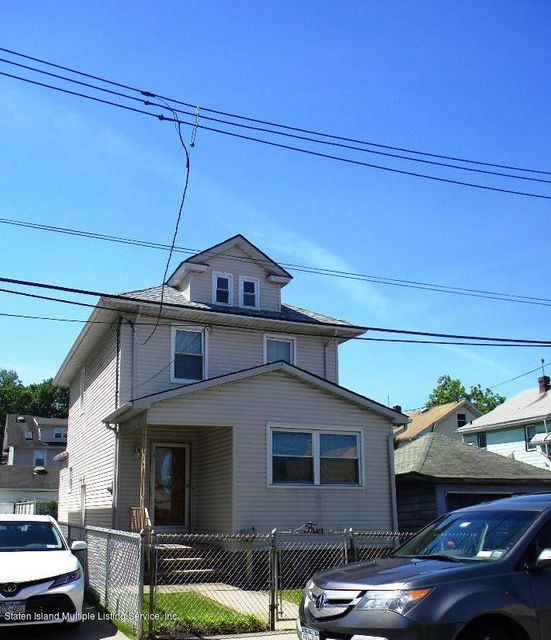 Single Family - Detached in Sunset Hill - 4 Green Street  Staten Island, NY 10310