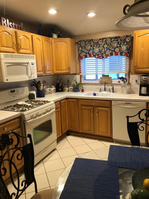 Two Family - Semi-Attached 81 Tioga Street  Staten Island, NY 10301, MLS-1120171-19