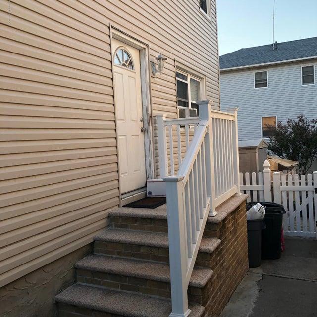 Two Family - Semi-Attached 81 Tioga Street  Staten Island, NY 10301, MLS-1120171-4