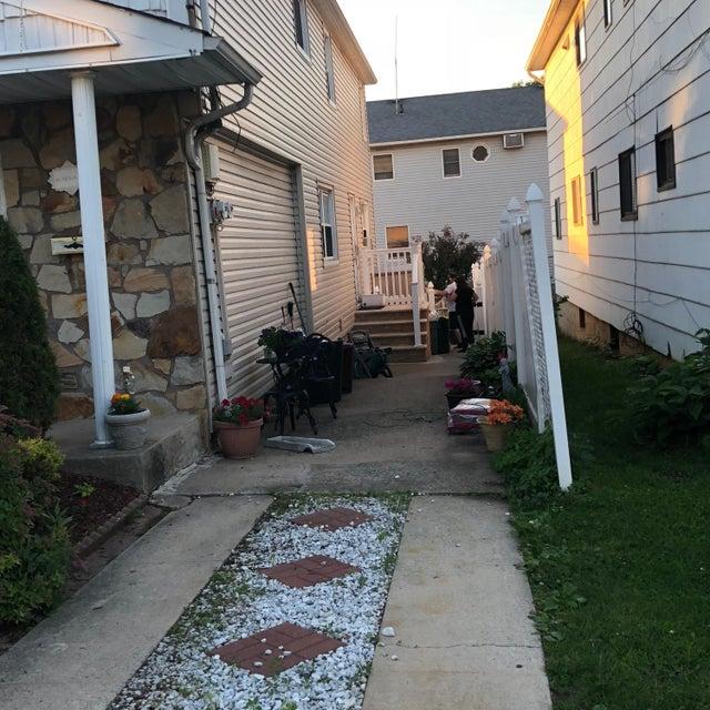 Two Family - Semi-Attached 81 Tioga Street  Staten Island, NY 10301, MLS-1120171-3