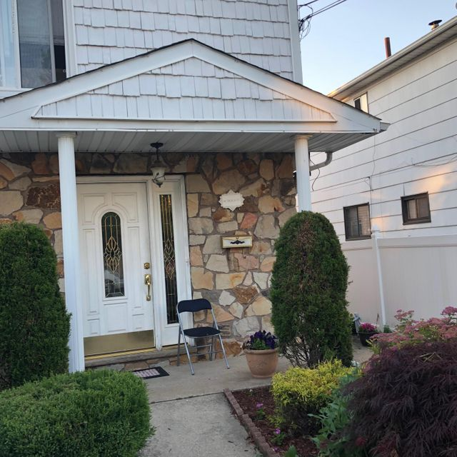 Two Family - Semi-Attached 81 Tioga Street  Staten Island, NY 10301, MLS-1120171-2