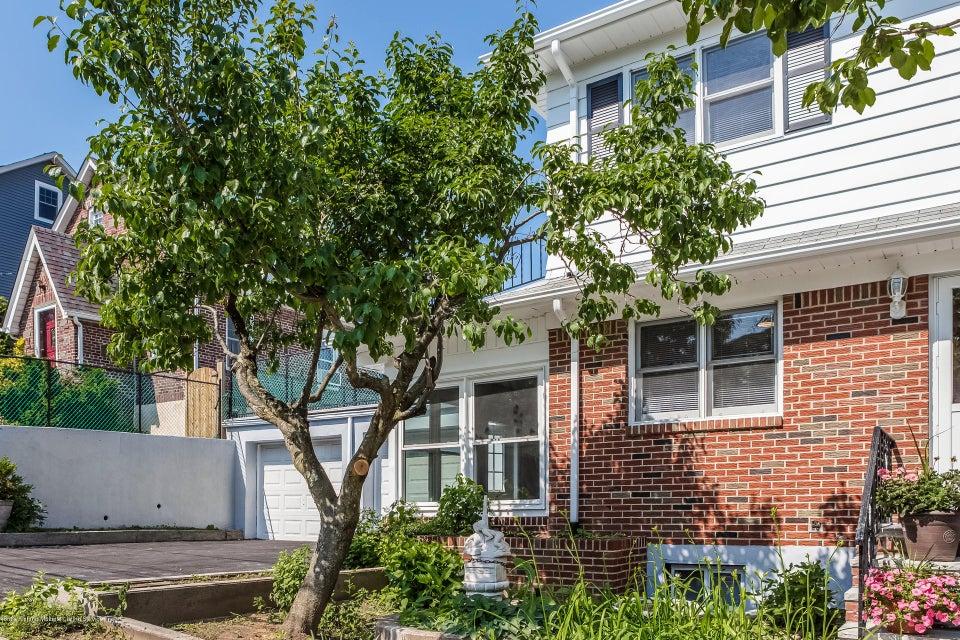 Single Family - Semi-Attached 10 University Place  Staten Island, NY 10301, MLS-1120177-2
