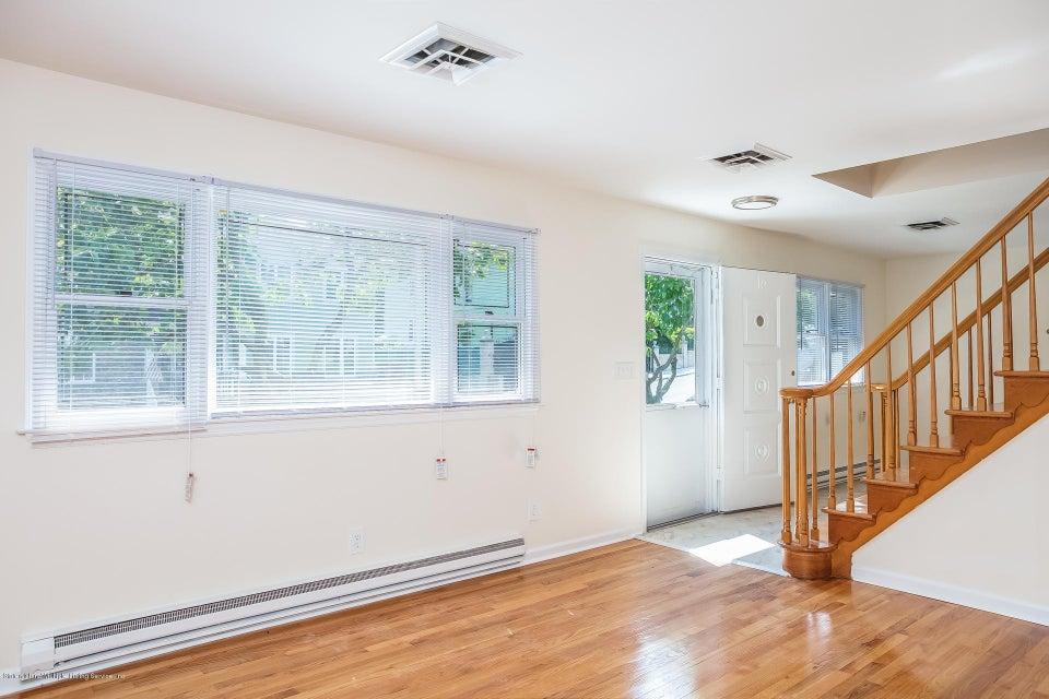 Single Family - Semi-Attached 10 University Place  Staten Island, NY 10301, MLS-1120177-7