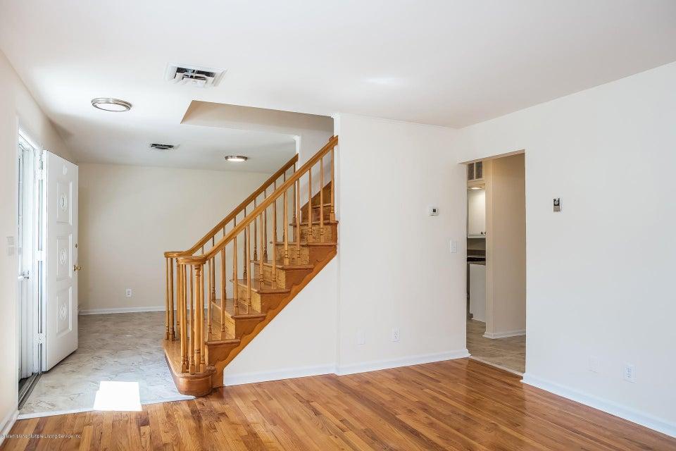 Single Family - Semi-Attached 10 University Place  Staten Island, NY 10301, MLS-1120177-8