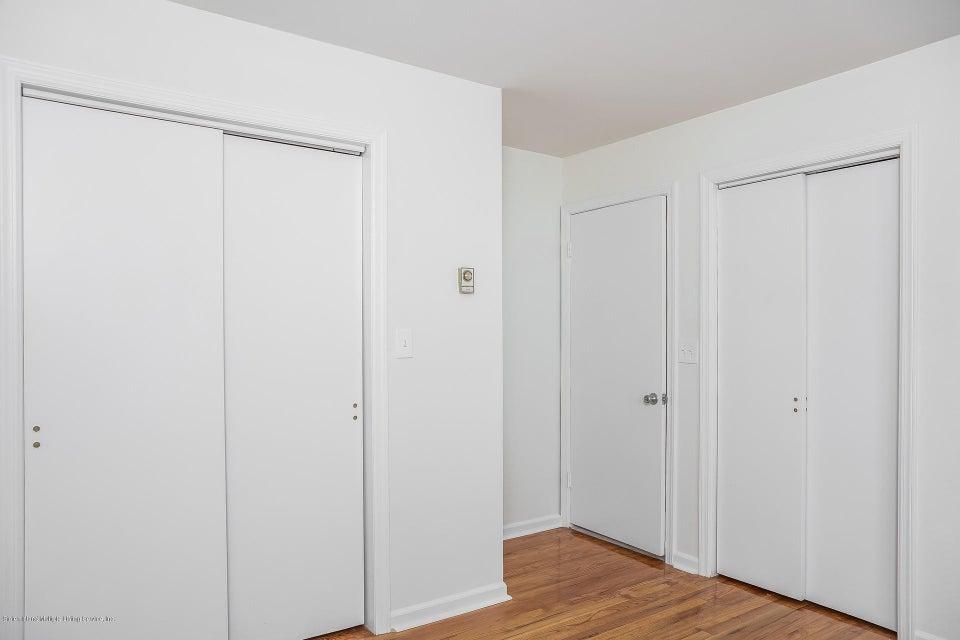 Single Family - Semi-Attached 10 University Place  Staten Island, NY 10301, MLS-1120177-17
