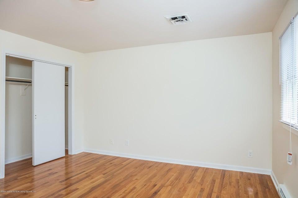 Single Family - Semi-Attached 10 University Place  Staten Island, NY 10301, MLS-1120177-21