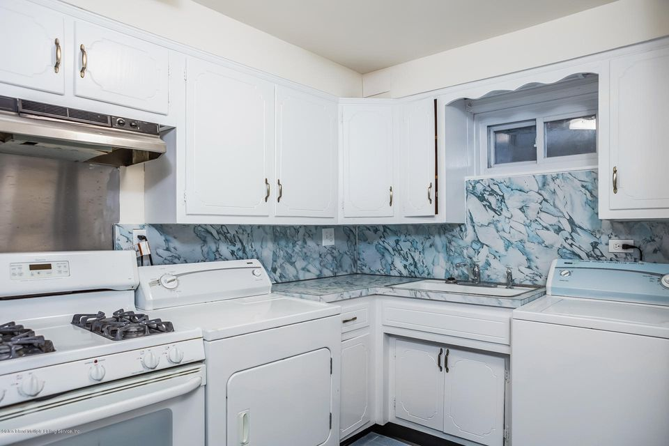 Single Family - Semi-Attached 10 University Place  Staten Island, NY 10301, MLS-1120177-29