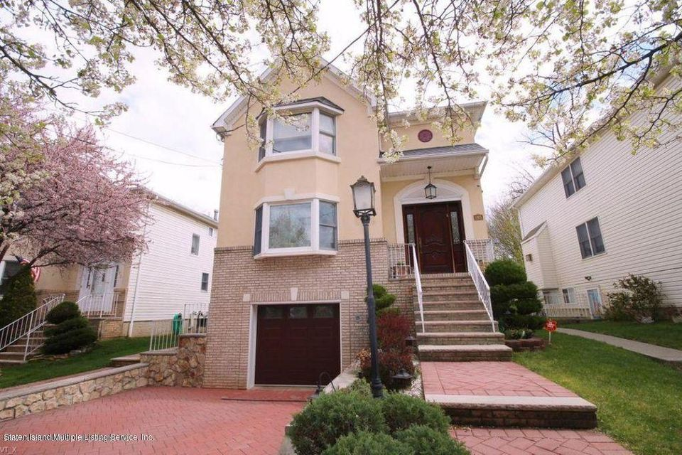 Two Family - Detached in Princes Bay - 185 Woodvale Avenue  Staten Island, NY 10309