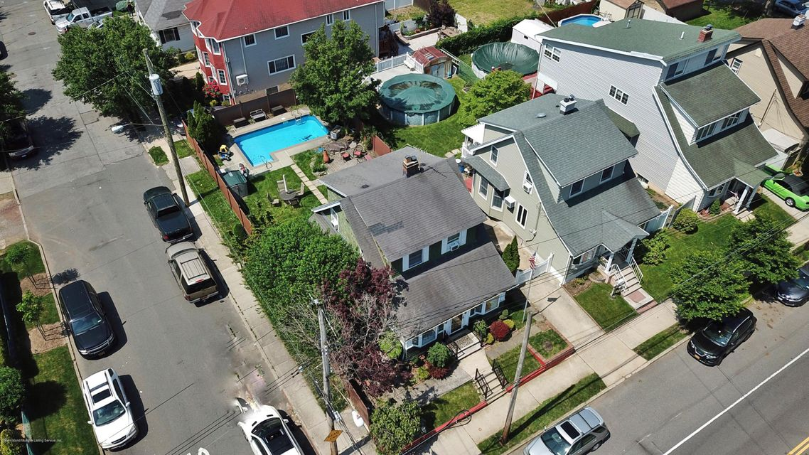 Single Family - Detached 482 Greeley Avenue  Staten Island, NY 10306, MLS-1120153-23
