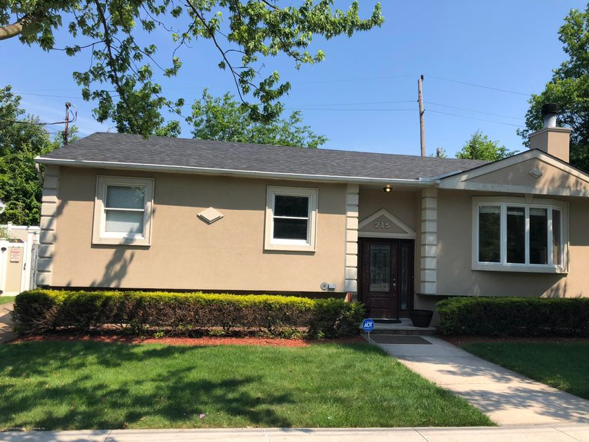 Single Family - Detached in Annadale - 215 Railroad Street  Staten Island, NY 10312
