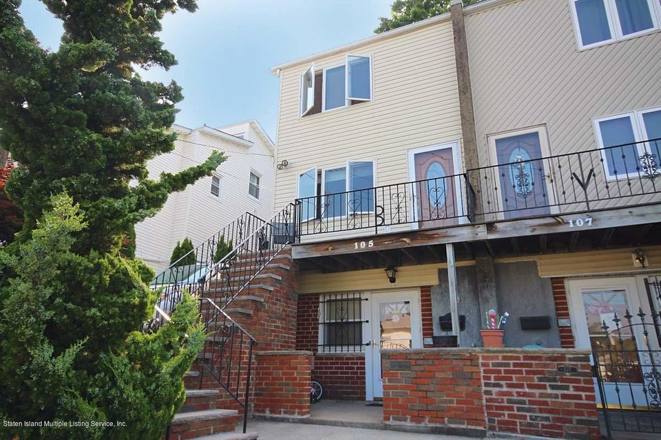 Single Family - Semi-Attached in Oakwood - New Dorp Heights - 105 Cranford Avenue  Staten Island, NY 10306