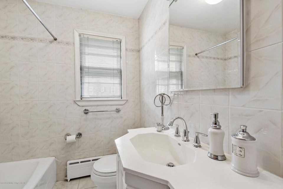 Single Family - Detached 542 Woolley Avenue  Staten Island, NY 10314, MLS-1120333-9