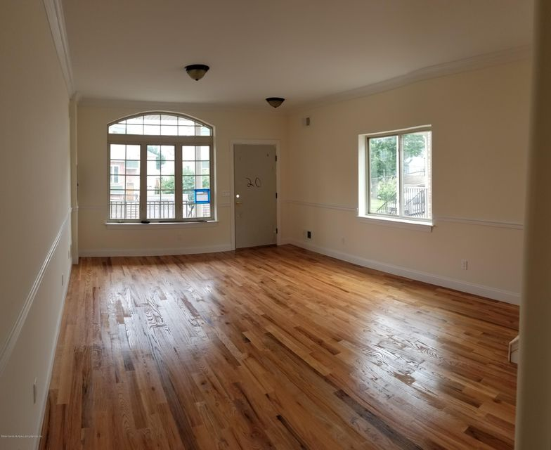 Single Family - Semi-Attached 488 Bedford Ave   Staten Island, NY 10306, MLS-1116461-2
