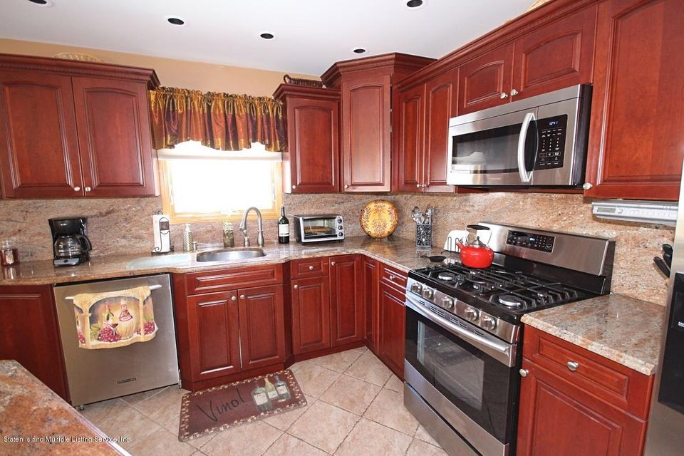 Single Family - Detached 176 Wolverine Street  Staten Island, NY 10306, MLS-1120572-9