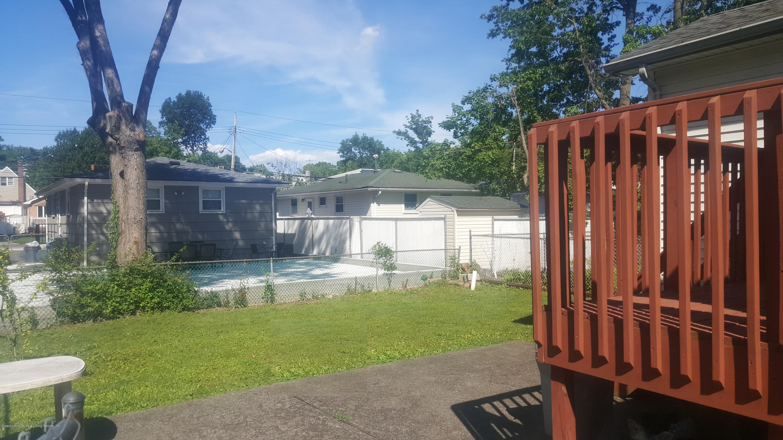 Single Family - Detached 331 Robinson Avenue  Staten Island, NY 10312, MLS-1120577-2