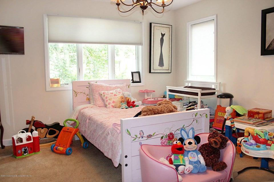 Single Family - Detached 158 Ridge Avenue  Staten Island, NY 10304, MLS-1120537-25