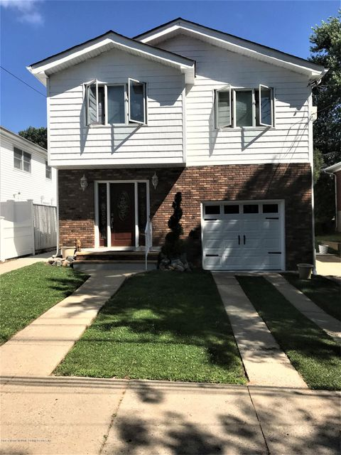 Two Family - Detached in Huguenot - 657 Edgegrove Avenue  Staten Island, NY 10312