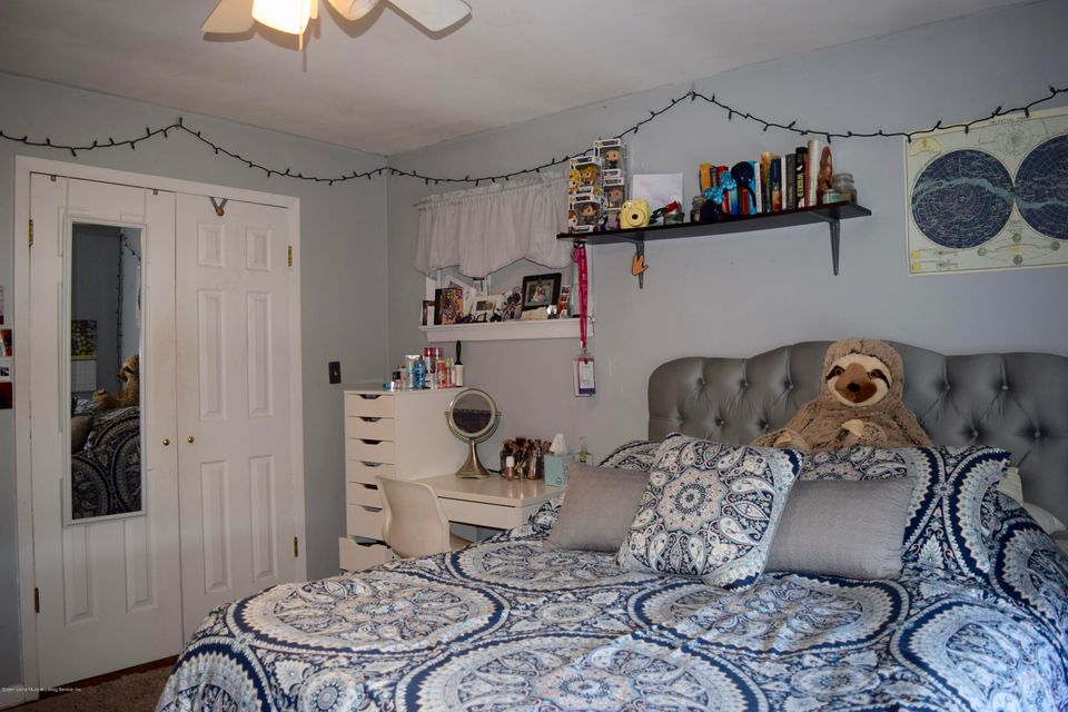 Single Family - Detached 176 Drake Avenue  Staten Island, NY 10314, MLS-1120662-17