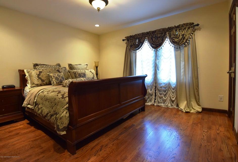 Single Family - Detached 593 Rensselaer Avenue  Staten Island, NY 10312, MLS-1120877-20