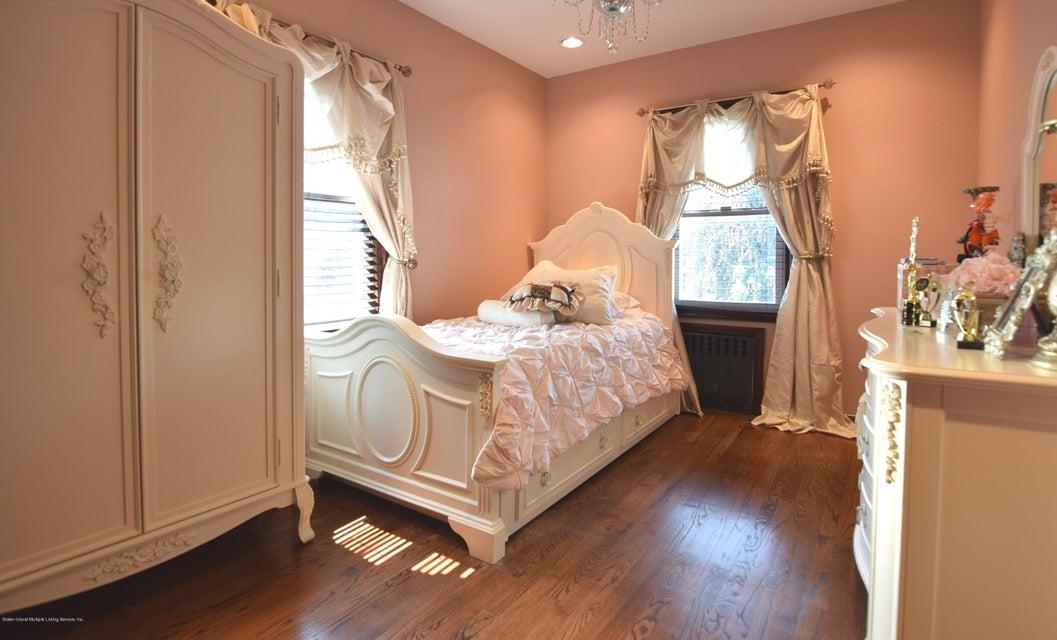 Single Family - Detached 593 Rensselaer Avenue  Staten Island, NY 10312, MLS-1120877-24