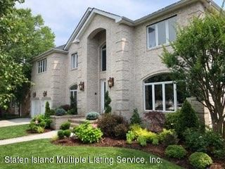 Two Family - Detached in Princes Bay - 25 Carolyn Court  Staten Island, NY 10309