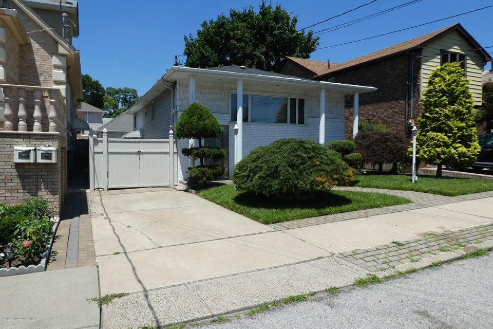 Single Family - Detached 79 Foch Avenue  Staten Island, NY 10305, MLS-1120900-3