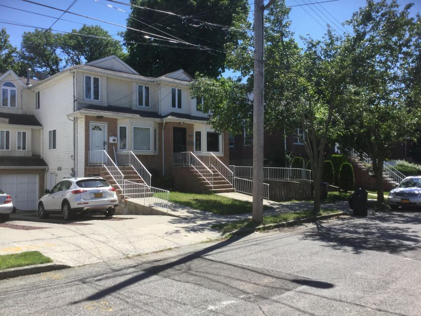 Single Family - Semi-Attached 300 Vogel Avenue  Staten Island, NY 10309, MLS-1120971-2
