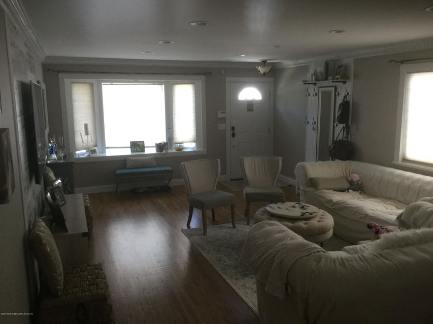 Single Family - Semi-Attached 300 Vogel Avenue  Staten Island, NY 10309, MLS-1120971-4
