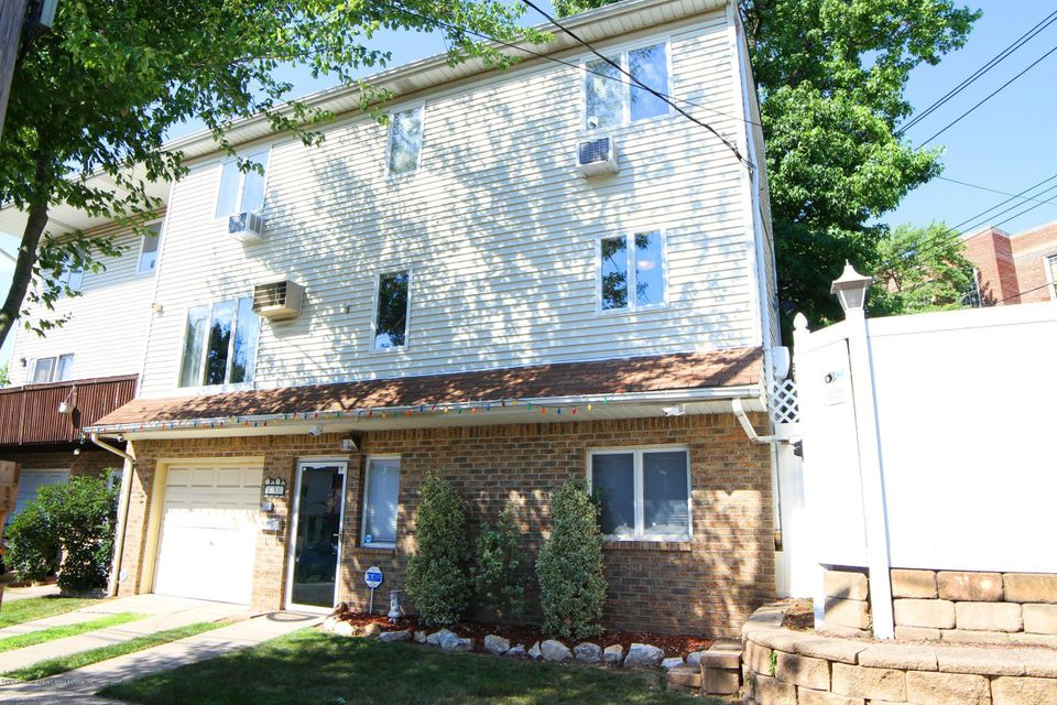 Single Family - Semi-Attached in Great Kills - 3 Montvale Place  Staten Island, NY 10308