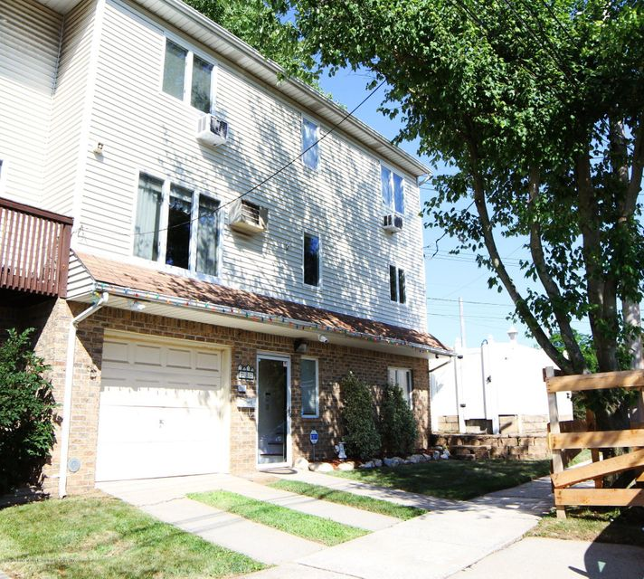 Single Family - Semi-Attached 3 Montvale Place  Staten Island, NY 10308, MLS-1120978-2