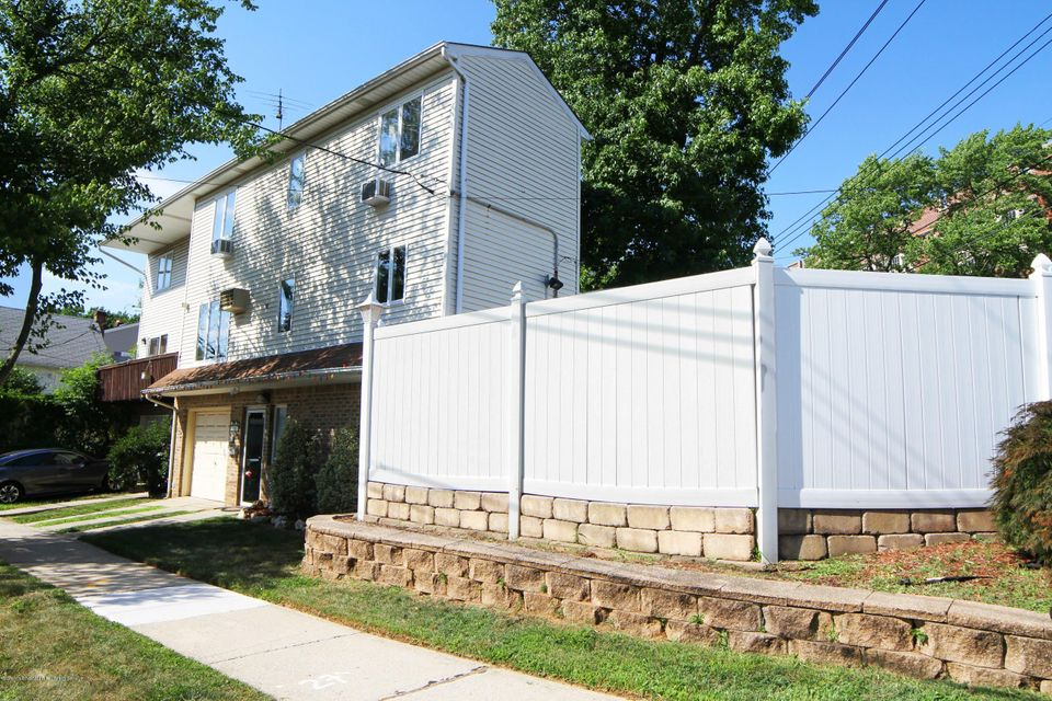 Single Family - Semi-Attached 3 Montvale Place  Staten Island, NY 10308, MLS-1120978-3