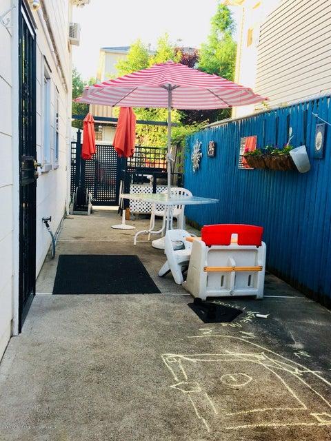 Single Family - Detached 24 Daleham Street  , NY , MLS-1120965-31