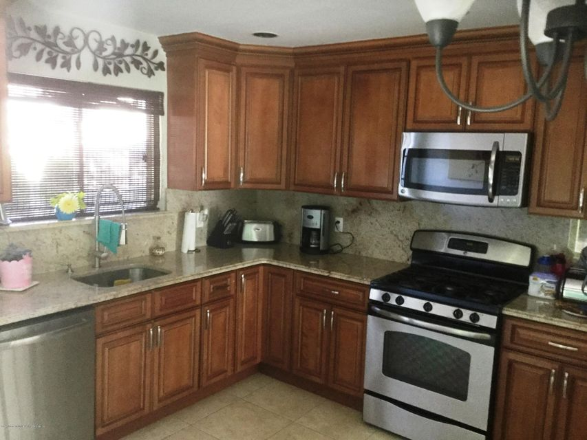 Single Family - Attached 41 Plumtree Lane  Staten Island, NY 10309, MLS-1120995-6