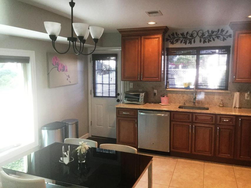 Single Family - Attached 41 Plumtree Lane  Staten Island, NY 10309, MLS-1120995-9