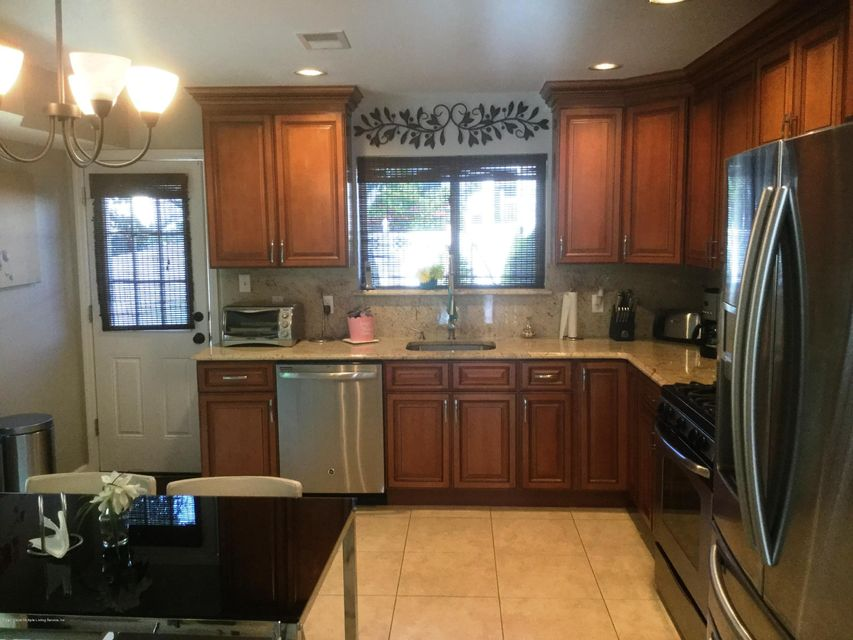 Single Family - Attached 41 Plumtree Lane  Staten Island, NY 10309, MLS-1120995-8