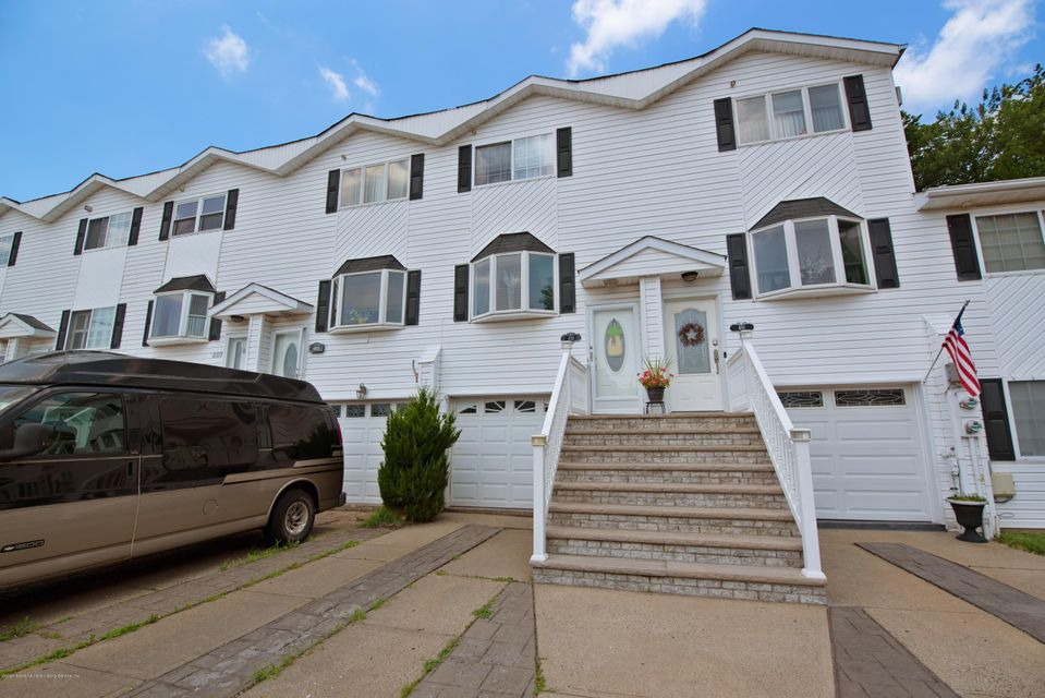 Single Family - Attached 493 Medina Street  Staten Island, NY 10306, MLS-1120765-2