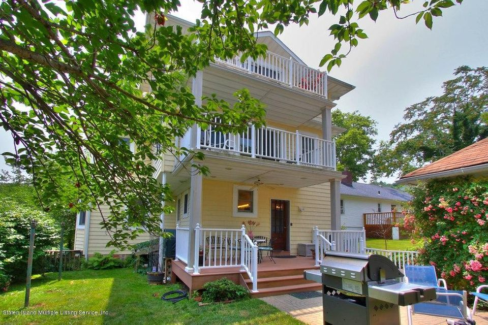 Single Family - Detached in Grymes Hill - 33 Trossach Road  Staten Island, NY 10304