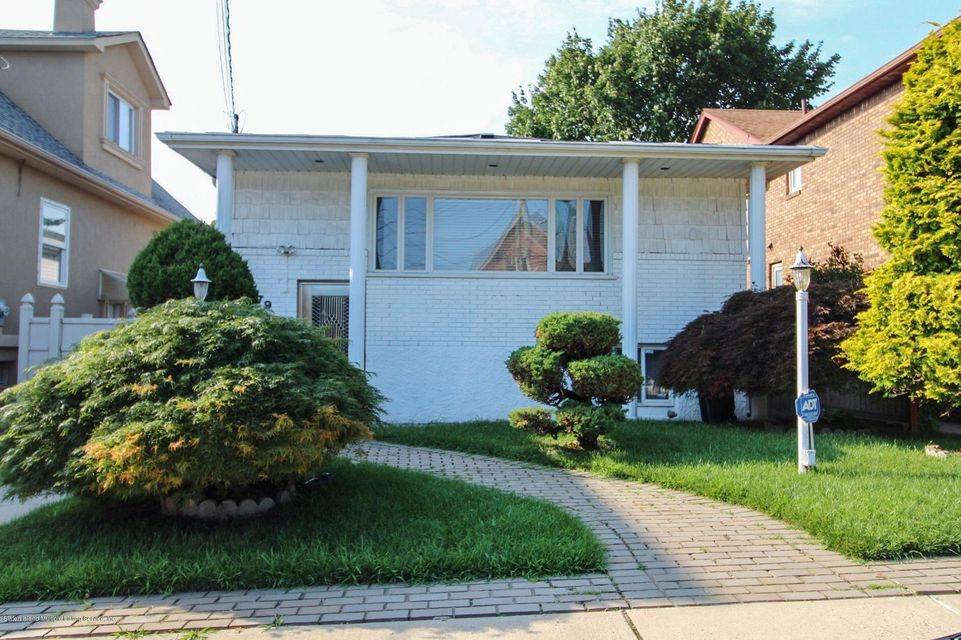 Single Family - Detached in South Beach - 79 Foch Avenue  Staten Island, NY 10305