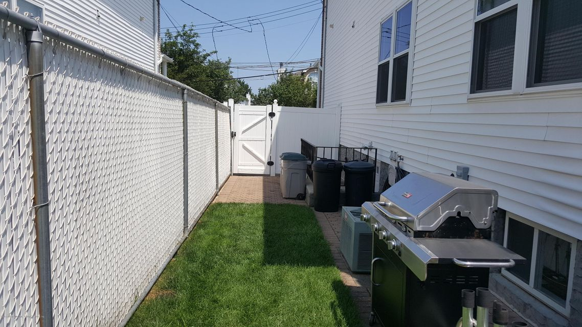 Single Family - Semi-Attached 292 Malvine Avenue  Staten Island, NY 10309, MLS-1121137-41