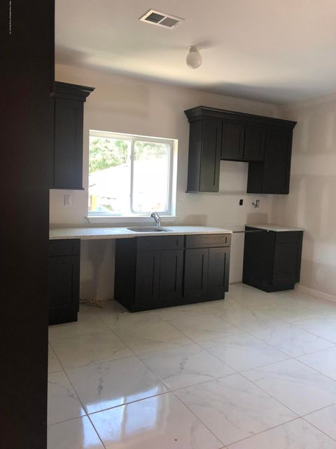 Single Family - Attached 42 Eunice Place   Staten Island, NY 10303, MLS-1121168-5
