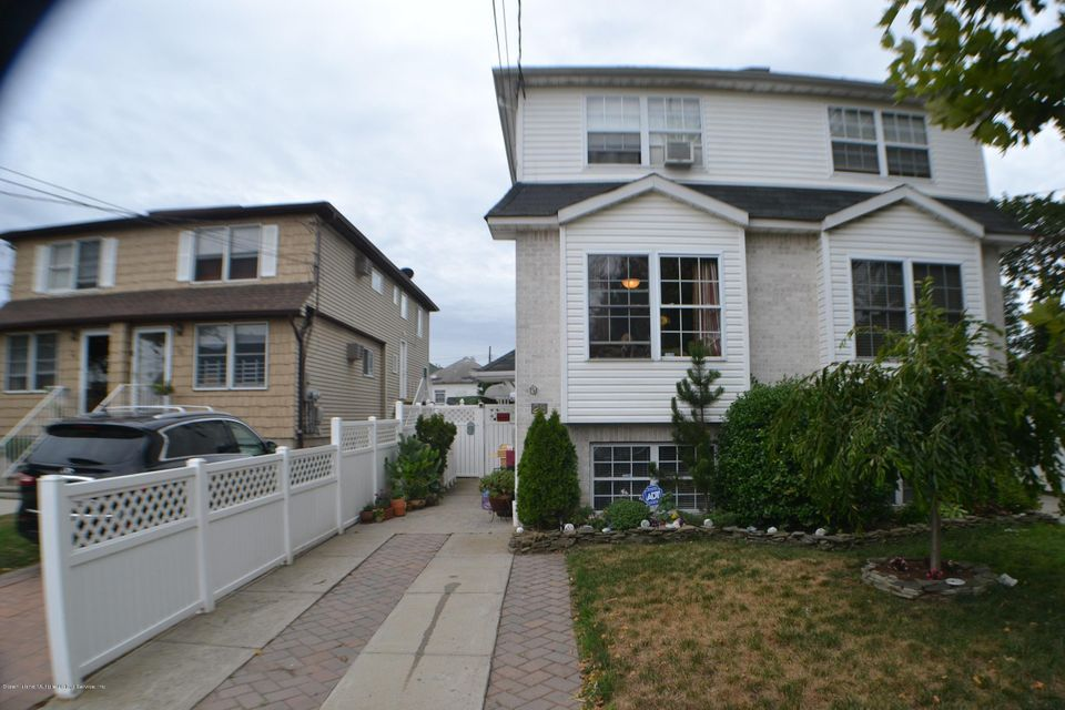 Single Family - Semi-Attached in South Beach - 28 Vulcan Street  Staten Island, NY 10305