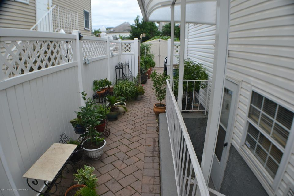 Single Family - Semi-Attached 28 Vulcan Street  Staten Island, NY 10305, MLS-1121333-11