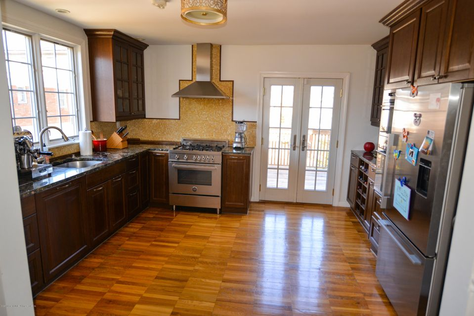 Single Family - Detached 53 Pouch Terrace   Staten Island, NY 10305, MLS-1121390-9