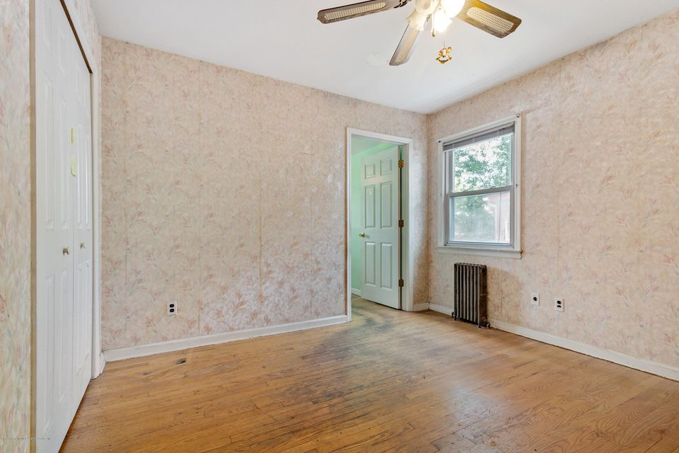 Single Family - Detached 331 Robinson Avenue  Staten Island, NY 10312, MLS-1120577-8