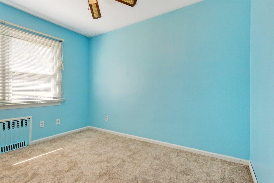 Single Family - Detached 331 Robinson Avenue  Staten Island, NY 10312, MLS-1120577-9