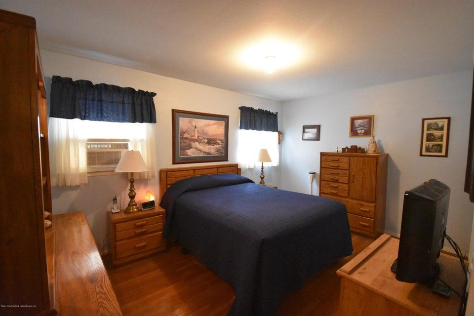 Single Family - Semi-Attached 137 Lamport Boulevard  Staten Island, NY 10305, MLS-1120628-6